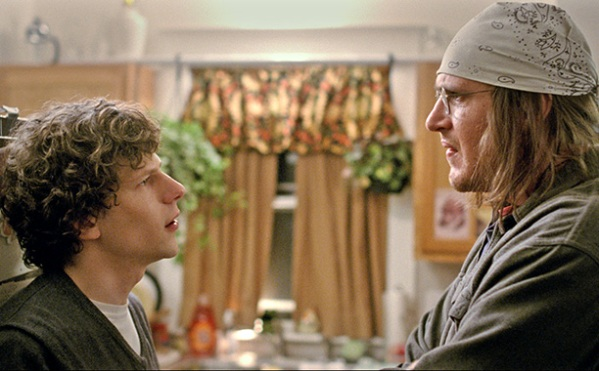 "David Lipsky (Jesse Eisenberg) interviews David Foster Wallace (Jason Segel) in Sundance's big hit ""The End of the Tour"""